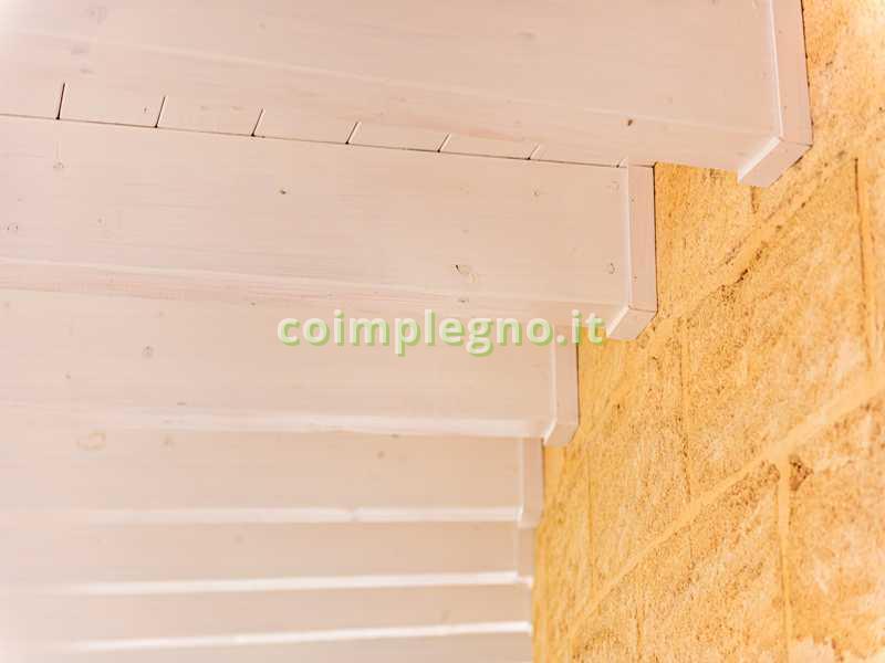 portico curvo in legno otranto lecce 2