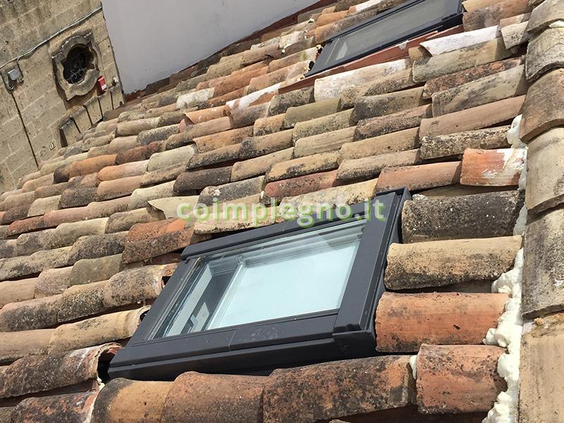Finestra da tetto zenith specifiche per tetti in tegola for Finestra da tetto