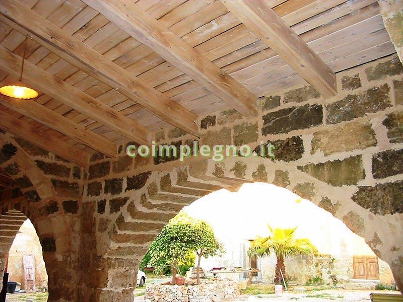 Masseria con tetti in legno taviano lecce 2