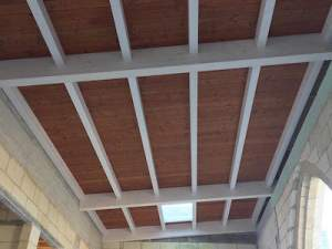 Wooden roof insulated